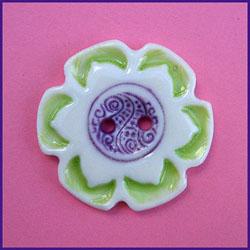 En af Birthines keramik-knapper